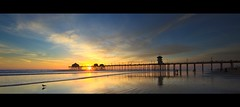 huntington beach panoramic (Eric 5D Mark III) Tags: california light sunset sky people usa cloud color reflection bird beach canon photography pier unitedstates seagull wideangle panoramic orangecounty 31 huntingtonbeach ericlo horizontalpanorama ef14mmf28liiusm eos5dmarkii