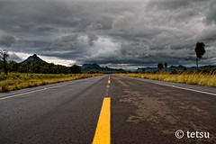 Volviendo / Coming Back... (Tetsumo) Tags: pictures road cloud storm ahead yellow ruta clouds landscape camino path amarillo nubes future tormenta unforgettable returning rosepetal the roadahead theroadahead theunforgettablepictures thepathahead rubyphotographer goldenheartaward vosplusbellesphotos passionateinspirations artofatmosphere