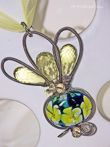 The WATER LILY Necklace