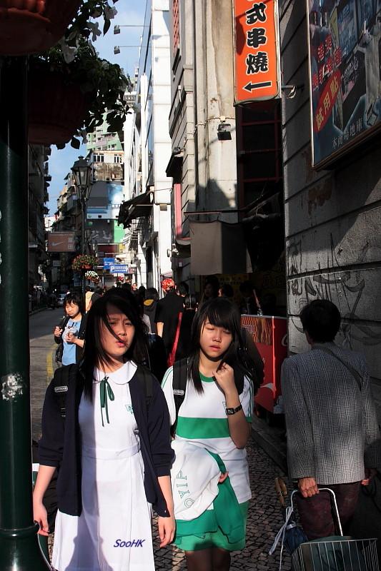 Macau - Street - Young