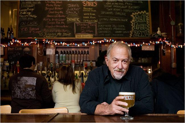 Jack Joyce, proprietario della Rogue Ales, nel brewpub a Newport.