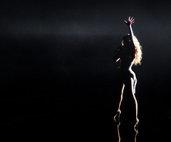 Beyonce (noamgalai) Tags: nyc music ny newyork dark photo dance concert live picture photograph msg madisonsquaregarden knowles צילום תמונה beyonce beyoncé נועם noamg beyoncéknowles noamgalai נועםגלאי גלאי aplusphoto singleladies sitemusic