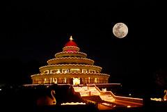 Art Of Living Ashram in the night (GOPAN G. NAIR [ GOPS Creativ ]) Tags: india photo bangalore karnataka ashram artofliving supershot gopan gopsorg gopangnair