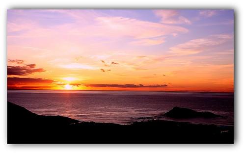 Le soleil s'efface dans la mer..