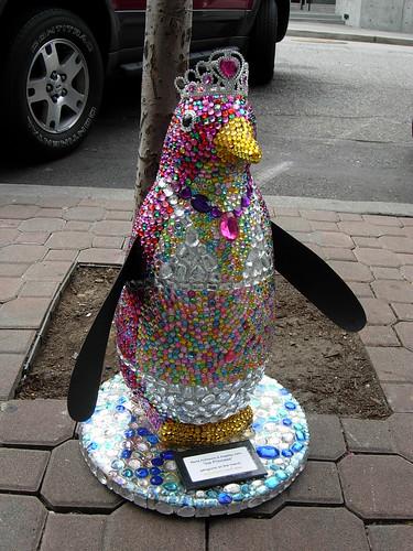 Pinguina in Bikini