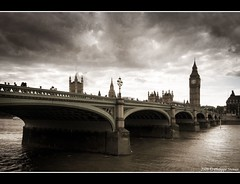 London under the weather (Pipall) Tags: uk bridge england streets london texture clock westminster thames clouds canon river lens big europe angle ben wide parliament tokina nd londres gradient desaturated polarizer circular textured touristic hoya cir cokin gnd tamise bej p121s mywinners abigfave rebelxti eos400d 124mm anawesomeshot impressedbeauty flickrdiamond citrit goldstaraward ominuous