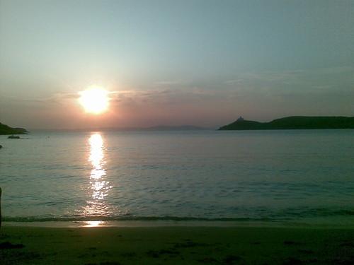 Το ηλιοβασίλεμα το βράδυ της καλοκαιρινής έκπλήξης