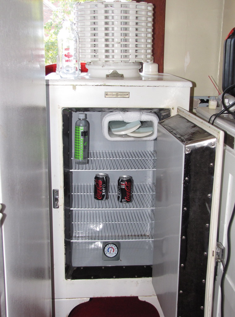 refrigerator shelves refrigerator defrost turkey in fridge. Black Bedroom Furniture Sets. Home Design Ideas