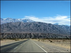 Towards the mountains... (mau_tweety) Tags: road fab sky mountain argentina ruta clouds landscape highway desert carretera 33 paisaje paisagem route estrada andes desierto soe salta noa va deserto provincial argentino rodovia noroeste payogasta golddragon abigfave fbdg rp33 theauthorsplaza
