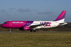 HA-LPS - Wizzair - Airbus A320-232 (A320) - Luton - 090309 - Steven Gray - IMG_0608