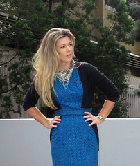 vintage-teal-eyelet-dress-tom-binns-diy-necklace-4