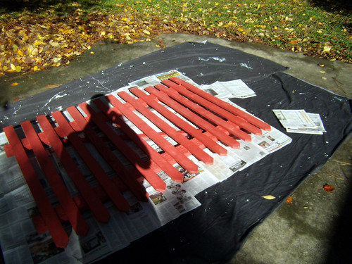 PA301357-2009-11-01-Pickets-Painted-Red-On-Driver-Ready-For-Spatter