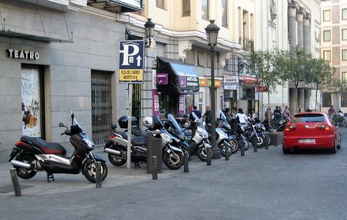 4072151523 efe30d4ef7 Madrid Motorbike Parking Oct09 mk