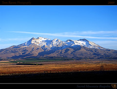 Sacred Mountain Ruapehu (tomraven) Tags: morning light newzealand sky sun mountain snow clouds geotagged volcano interestingness framed bluesky snowcapped explore northisland frontpage 2009 ruapehu explored inexplore mywinners theunforgettablepictures fbdg vosplusbellesphotos tomraven geo:lon=175708551 mychillybin wesittogetherthemountainandme geo:lat=39386557 q209