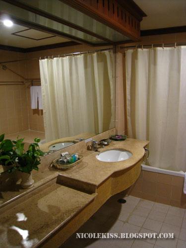 felix bathroom