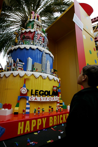 Lego birthday cake (AP Photo/Sandy Huffaker/Legoland)