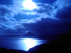 Blue  Mo... Sun at Velbastaur (Jan Egil Kristiansen) Tags: blue sun island faroeislands htc interestingness325 i500 koltur velbastaur image162 htcdiamond