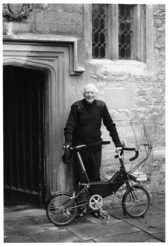 Peter Knottley photo of AM with spaceframe.