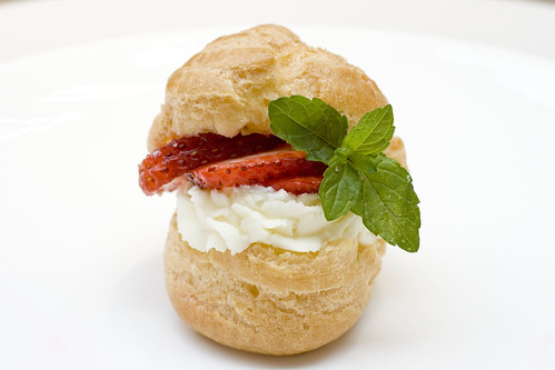 Mascarpone Cream Puff with Strawberries and Mint 4