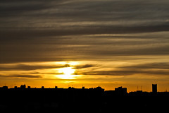 Desde tu ventana... (InVa10) Tags: city light sunset sky españa sun black building luz sol silhouette backlight clouds canon contraluz de atardecer eos spain edificios cathedral negro catedral ciudad badajoz cielo nubes silueta puesta horizont tejados horizonte roofing extremadura inva 450d