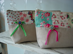 Patchworked Bags - Detail (MinxyMagic) Tags: vintage bag 1930s handmade linen brooch purse patchwork henhouse