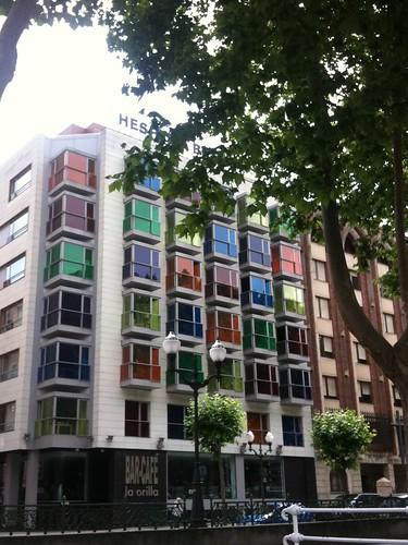 <span>bilbao</span>In ogni stanza una vista diversa della città.<br><br><p class='tag'>tag:<br/>design | bilbao | luoghi | </p>