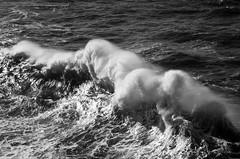 Wave breaking (Ahio) Tags: sea blackandwhite bw blancoynegro waves llanes marcantbrico cantabricsea smcpentaxda70mmf24 pentaxk5