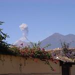 Volcanes Fuego y Acatenango - Fire and Acatenango Volcanos, La Antigua, Guatemala, Centroamérica