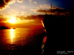 Turkey - Konak iskele... (Yener ZTRK) Tags: city sunset sea sky cloud reflection port turkey ship trkiye turquie trkorszg trkei welcome deniz konak iskele turkije izmir bulut gkyz gnbatm turchia  yansma gemi merkez turkei aegeansea krfez egedenizi turcha trkiyecumhuriyeti konakiskelesi thebestofday gnneniyisi flickrlovers turkqua yenerztrk  saariysqualitypictures t gismeer t tp t egeninincisi egekrfezi aegeangulf