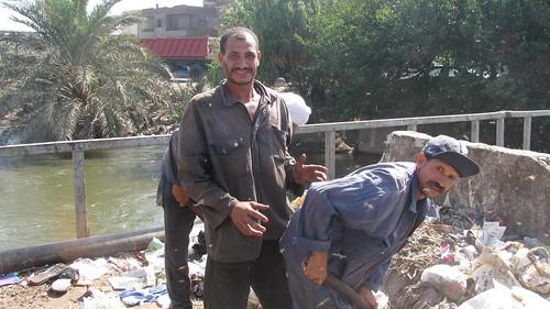 عمال النظافة فى مدينة طنطا