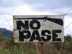 No Pase (HagaClic) Tags: carteles nopase