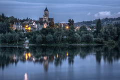 Lavacourt - Eglise de Vtheuil (Christophe Kiciak) Tags: longexposure blue france reflection church water seine night canon reflections river painting landscape paint tripod eu monet nuit glise hdr gitzo claudemonet moisson yvelines vtheuil 70200f28lis lavacourt vetheuil hdratnight 5dmarkii gt3541ls gettyimagesfranceq1