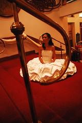i swear tong bride na ito ang hilig sumalampak. hihihi