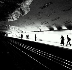 Subway ~ Cluny ~ La Sorbonne ~ Paris ~ MjYj (MjYj) Tags: old city blue light bw woman baby white man black paris home girl contrast dark subway happy mono dance couple artist noir jean top signature famous mtro bodylanguage blues dancer lord lovers passengers future oil gasoline anonymous passager blanc quai ville banc cluny zztop zz voute lasorbonne blackwhitephotos clbre 100commentgroup mjyj