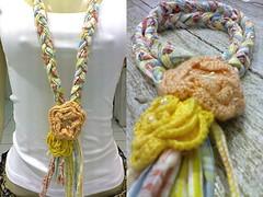 Colar de retalhos e flores de croche. (Acessórios Gisele Moura) Tags: flores necklace flor moda artesanato artesanal bijuteria estilo cloth colar tecido tecidos trança croche retalho bijuterias retalhos maxicolares