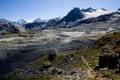 approaching hut de prafleuri (andy carson) Tags: alps cz hauteroute chamonixtozermatt