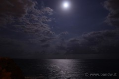 Moonlight (-Bandw-) Tags: wallpaper sky italy clouds digital canon landscape geotagged eos rebel italia nuvole mare luna cielo sicily moonlight wallpapers bandw turismo geotag sicilia xsi trinacria sicile sizilien sicili siclia 1556  450d tamronaf18200mmf3563xrdiiildasphericalif canoneos450d flickrsicilia digitalrebelxsi bandwit wwwbandwit canoneos450ditalia  geo:lat=37524630 geo:lon=15117172