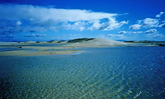 lagoa (Edison Zanatto) Tags: brazil sky naturaleza southamerica nature brasil clouds landscape wasser nuvole areia dunes natureza natur wolken paisaje paisagem nubes nuvens nuvem landschaft paesaggi riograndedosul sul dunas americadosul sdamerika canonprimaas1 fujicolorprovalue200 filme35mm regiosul continentesulamericano  edisonzanatto