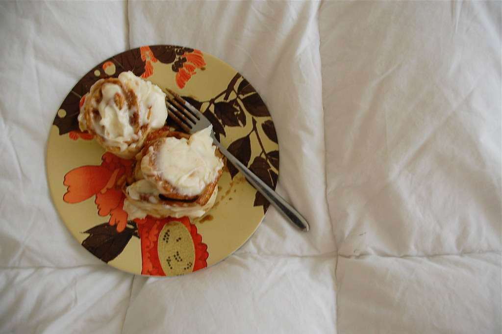 more cinnamon buns in bed