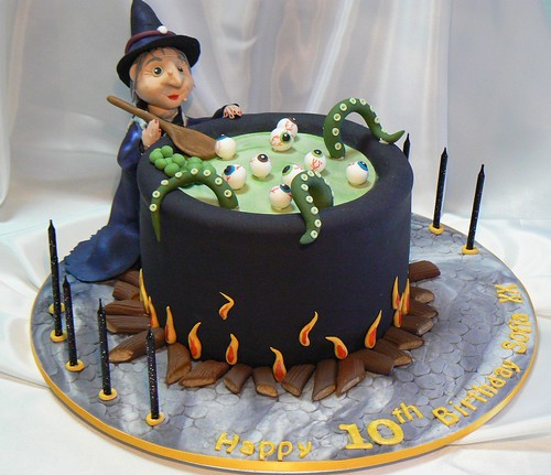 Halloween Cake TD between Yana's Cakes & Deliciously Decadent