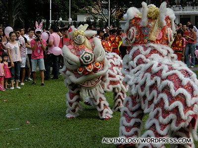 Two pink lions