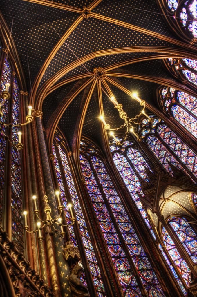 Sainte Chapelle. Altar de la capilla superior. Upper chapel altar.
