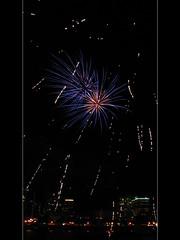 Portland Rose Festival Fireworks 2 (David Gn Photography) Tags: oregon portland downtown waterfront fireworks portlandrosefestival canonpowershotsx1is