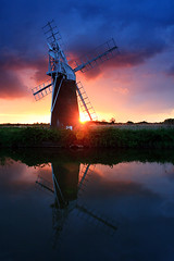 Turf Fen windmill, 3/3 (Quyntessential) Tags: sunset reflection windmill norfolk east fen turf anglia amazinglandscapesuk