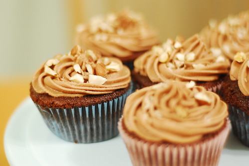 chocolate and hazelnut cupcakes
