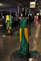 (Yamaggio ) Tags: ca brazil fashion brasil digital blog nikon bresil sopaulo moda desfile sp week ibirapuera 2009 brasile bienal spfw spaulo d90 cobertura  spfw2009