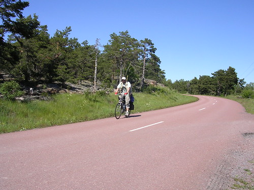 Raudono granito keliu