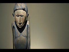 The Sadness Within (edmundlwk) Tags: sculpture paris france statue museum sad louvre vanuatu efs1755mm canon450d flickrchallengegroup flickrchallengewinner rebelxsi maloisland edmundlim