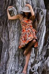 The Ambrogio's lady (Matteo Lorenzetti's photos ) Tags: woman tree hat lady photowalk albero ml livorno cappello ragazza quercia villaminmbelli lasignoradiambrogio