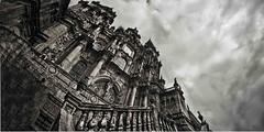 La catedral de Santiago (Fernando Rey) Tags: clouds cathedral catedral nubes obradoiro santiagocompostela